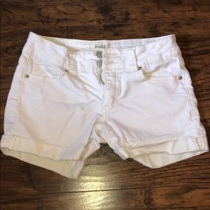 White jeans shorts from Mudd